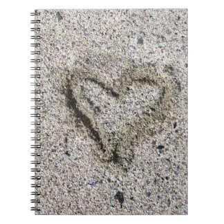 Cadernos Coração romântico na areia