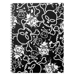 Cadernos Crânios em pattern.ai sem emenda preto