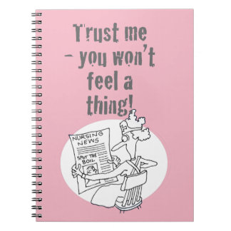 """Cadernos Espiral A enfermeira está lendo """"ponto competição da"""