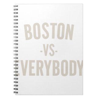 Cadernos Espiral Boston contra todos