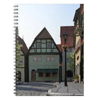 Cadernos Espiral Cena bávara da esquina da rua da cidade