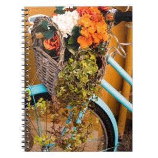 Cadernos Espiral Cesta azul da bicicleta