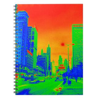 Cadernos Espiral Colorido de néon da noite 1967 da avenida de
