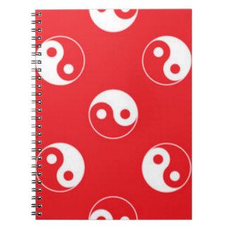 Cadernos Espiral Design vermelho & branco do teste padrão de Yin