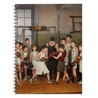 Cadernos Espiral Esporte - encaixotamento - punhos da fúria 1924