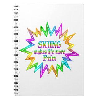 Cadernos Espiral Esquiando mais divertimento