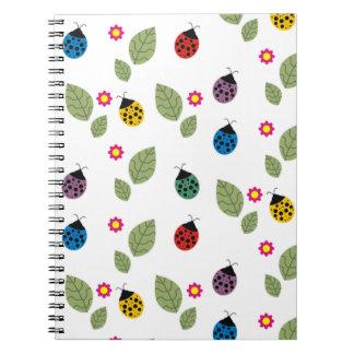 Cadernos Espiral Folha e besouro