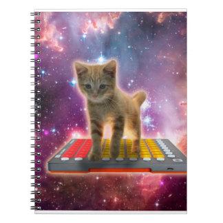 Cadernos Espiral gato do teclado - gato de gato malhado - gatinho