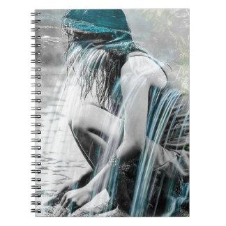 Cadernos Espiral Menina na cachoeira