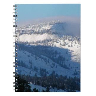 Cadernos Espiral Montanhas com neve de sopro
