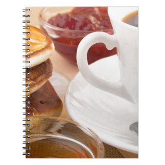 Cadernos Espiral Panquecas com mel, doce de morango
