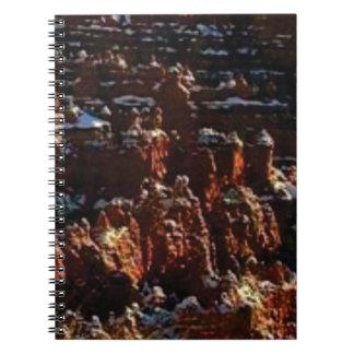 Cadernos Espiral penhascos da rocha vermelha da neve