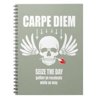 Cadernos Espiral Vinage apreende o dia. Carpe Diem inspirador