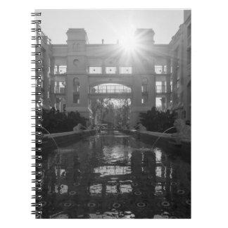 Cadernos Grayscale do Sunburst de Coronado