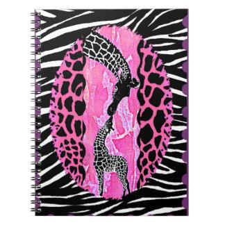 Cadernos Impressão animal do rosa do girafa do amor