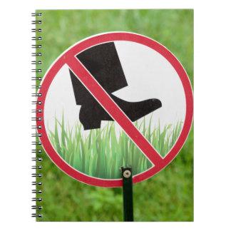 Cadernos Mantenha do sinal da grama