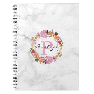 Cadernos Monograma floral cor-de-rosa bonito da grinalda