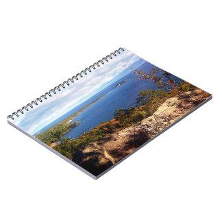 Cadernos Montanha de Sugarloaf no outono