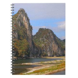 Cadernos Montanhas ao longo do rio de Li, China