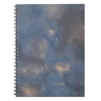 Cadernos Nuvens abstratas