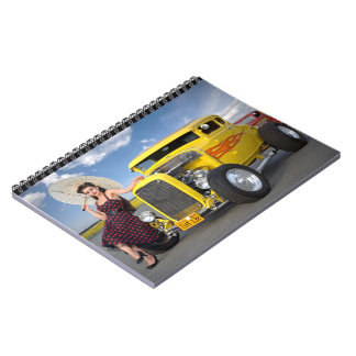 Cadernos O hot rod arde o Pin do carro vintage dos grafites