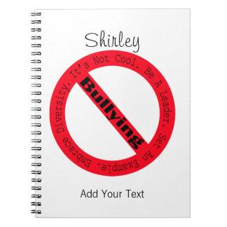 Cadernos Pare o Tiranizar-Logotipo por Shirley Taylor