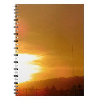 Cadernos Redemoinho alaranjado