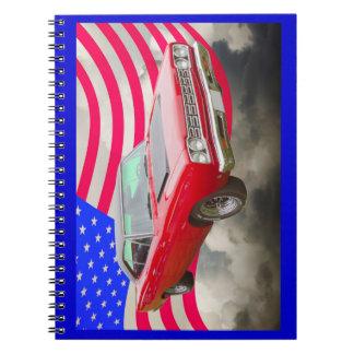 Cadernos Roadrunner 1968 de Plymouth e bandeira americana