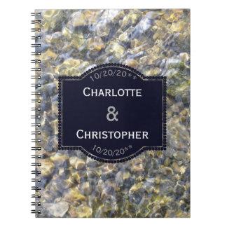Cadernos Seixos do rio e casamento personalizado água