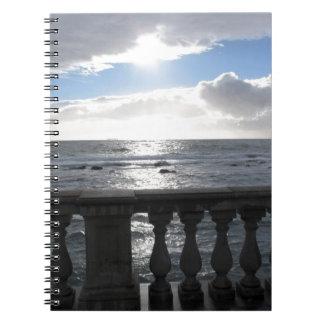 Cadernos Terraço que negligencia o mar
