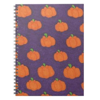 Cadernos Teste padrão roxo da abóbora da queda