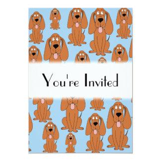 Cães de Brown na luz - azul. Convites Personalizado