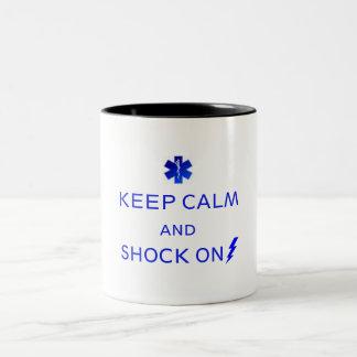 Café do EMS ou caneca do chá. Mantenha a calma e…