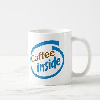 Café para dentro caneca de café