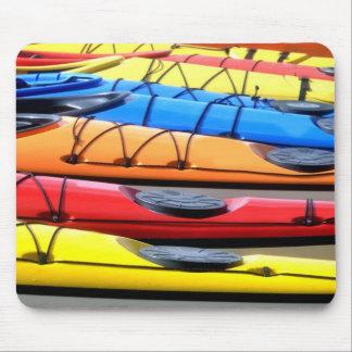 Caiaque coloridos mouse pad