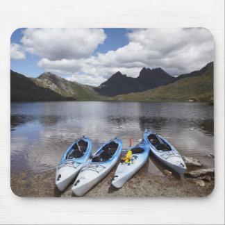 Caiaque, montanha do berço e lago dove, berço mouse pad