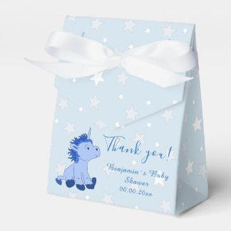 Caixa azul do favor de partido do chá de fraldas