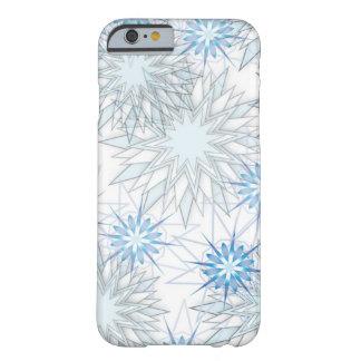 Caixa azul e branca do floco de neve abstrato do capa barely there para iPhone 6