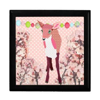 Caixa cor-de-rosa bonito da arte da jovem corça da porta treco