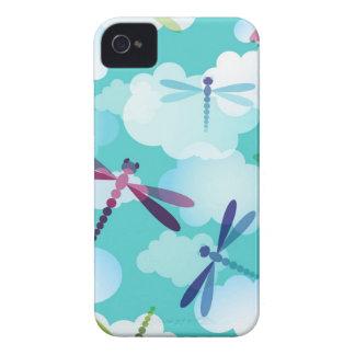 Caixa corajosa de Blackberry das libélulas Capa Para iPhone