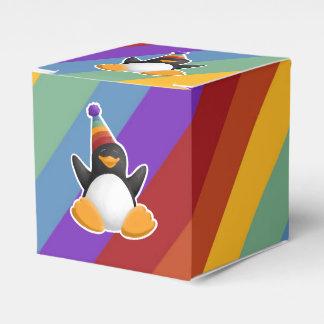 Caixa de presente do arco-íris do pinguim do feliz