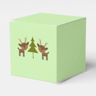 Caixa de presente verde da rena do Natal