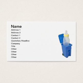 Caixa de reciclagem com garrafa de bebê cartão de visitas