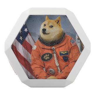 Caixa De Som Branca Com Bluetooth cão do astronauta - doge - shibe - memes do doge