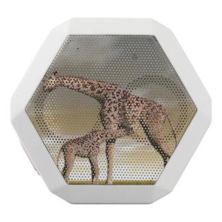 Caixa De Som Branca Com Bluetooth Girafa da mãe e do bebê - 3D rendem