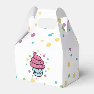 Caixa do favor do cupcake do feliz aniversario