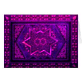 Caixa do mosaico no roxo cartão comemorativo