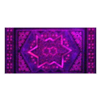 Caixa do mosaico no roxo cartão com fotos personalizado