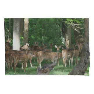 Caixa manchada do travesseiro dos cervos de Chital