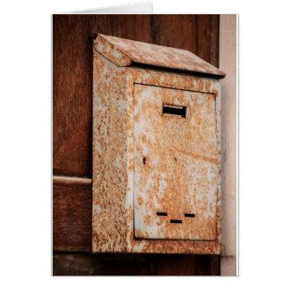 Caixa postal oxidada fora
